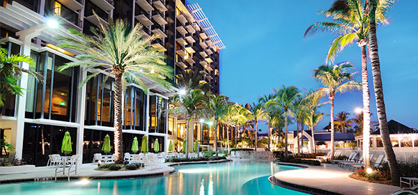 st simons hotel pool exterior